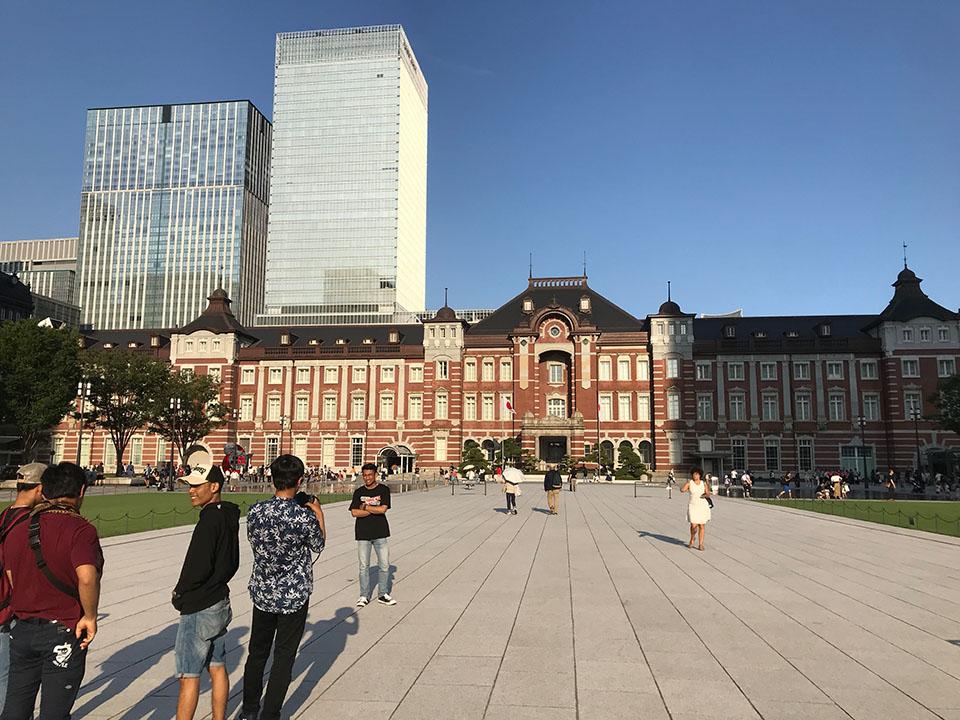 東京駅丸の内出口
