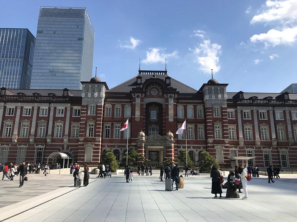 東京駅・丸の内出口
