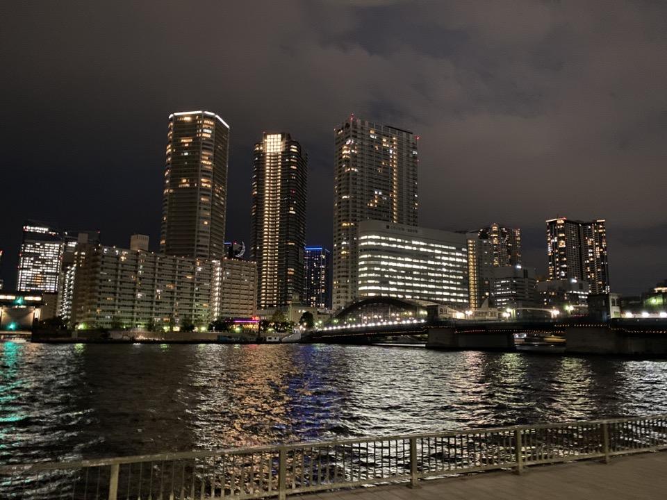 夜の隅田川テラス