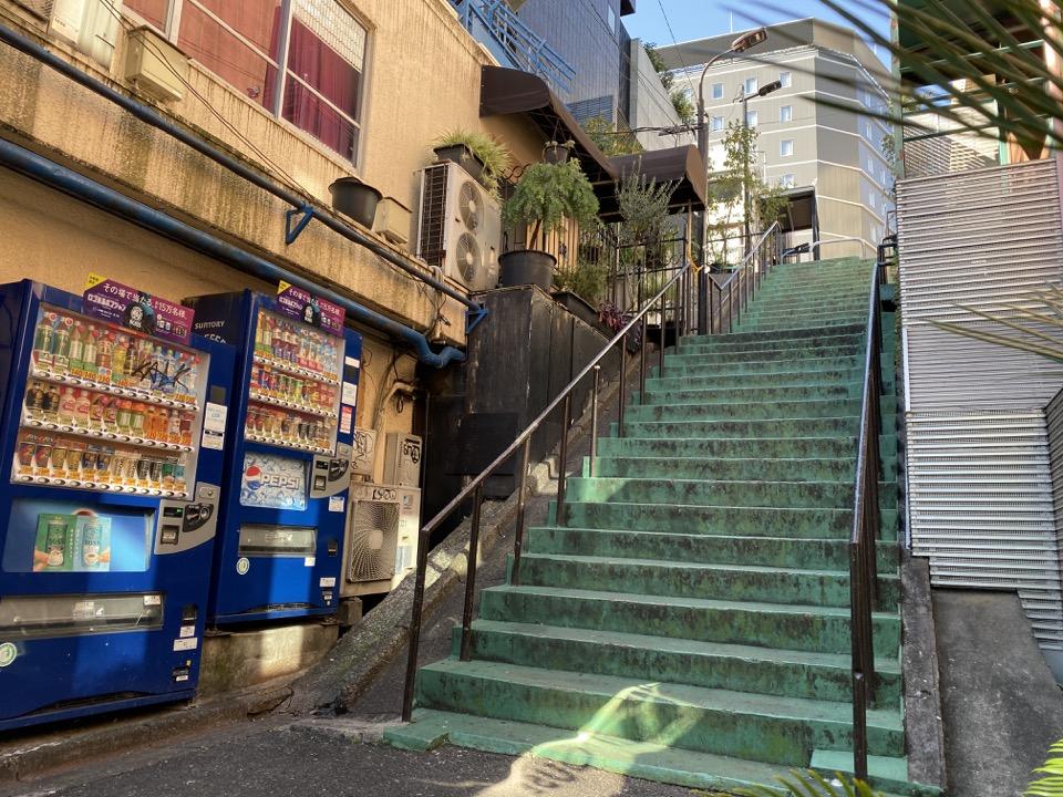 バーレスク東京前の階段